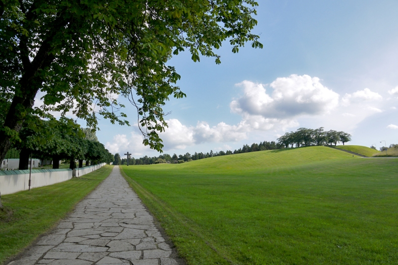 skogskyrkogacc8arden-woodland-cemetery-stockholm-01
