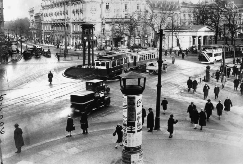 BERLIN SINFONÍA DE UNA GRAN CIUDAD Walter Ruttman
